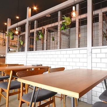 刈谷市のカフェの内観