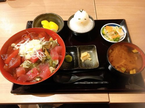 ツブ貝マグロ丼定食